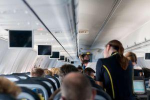 Las cosas que nunca tendrías que hacer en un vuelo según las azafatas