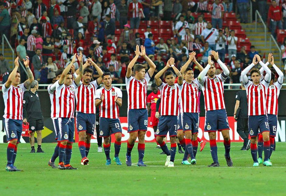 Chivas acuerda pago de deudas y podrá contratar nuevos jugadores