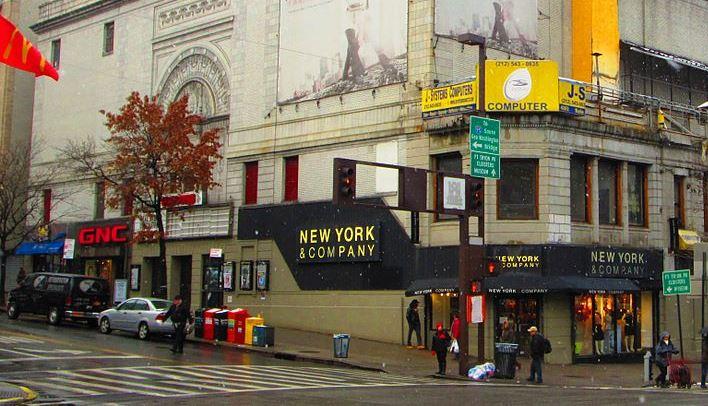 Latinos desempleados por demolición de histórico Teatro Coliseum en Alto Manhattan