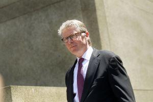 Fiscal de Manhattan abre investigación criminal contra Schneiderman