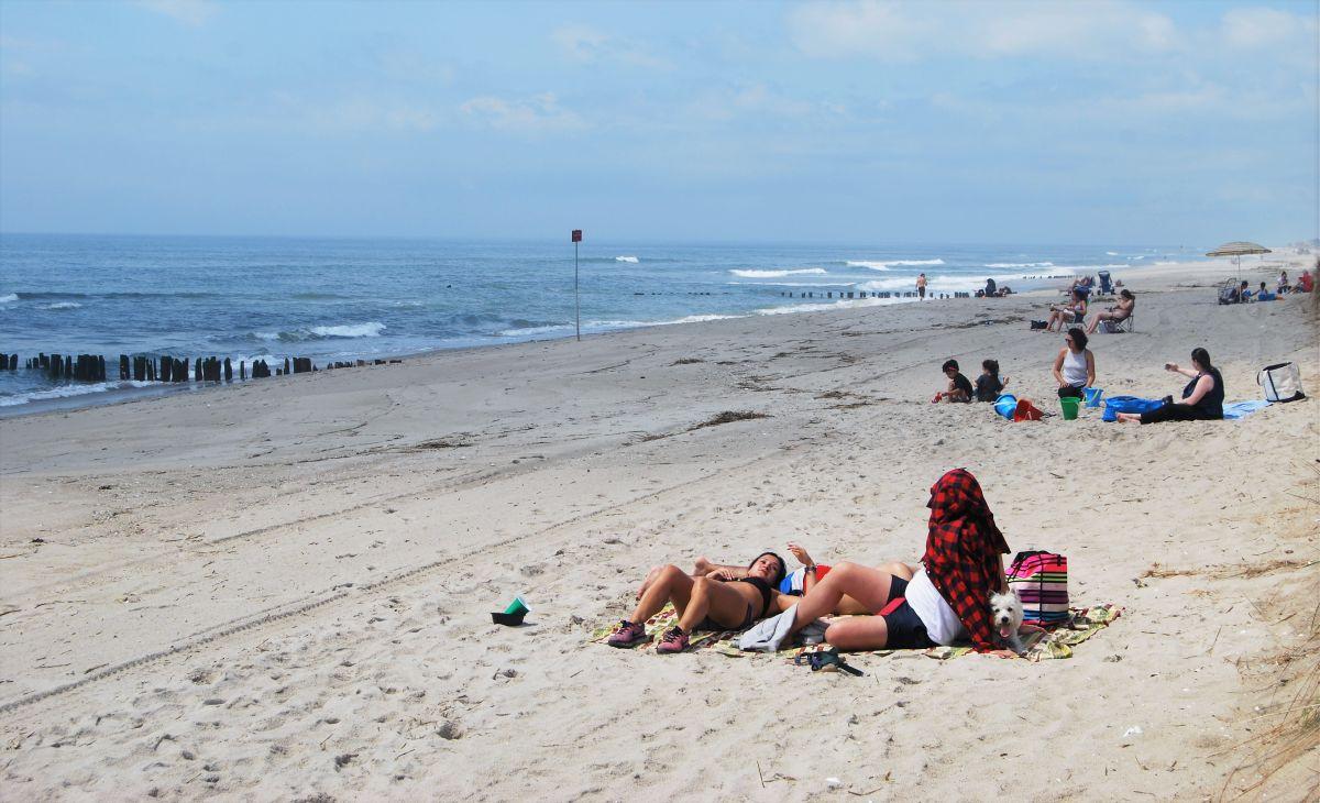 Confusión en olas y arenas: poca claridad sobre acceso a playas este fin de semana en NYC