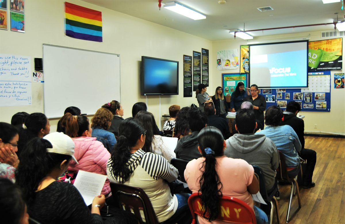 Instan a inmigrantes de NY a conocer sus derechos ante 'La Migra'