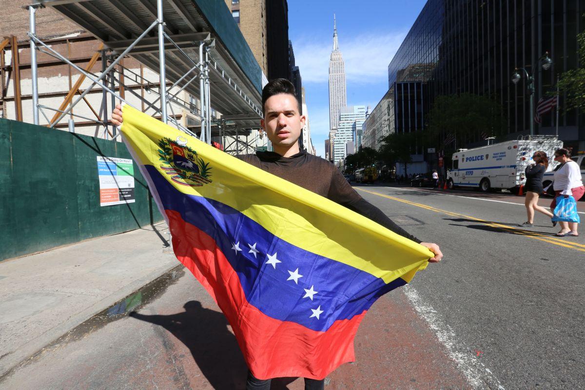 Venezolanos en NYC rechazan elecciones fraudulentas en su país