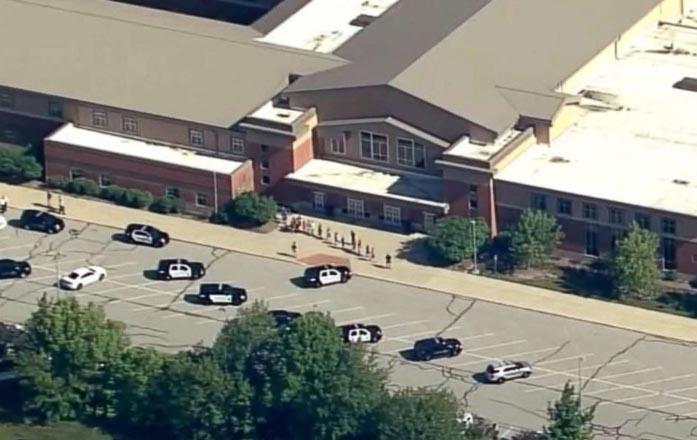 Alumno abre fuego en escuela de Indiana y deja dos heridos