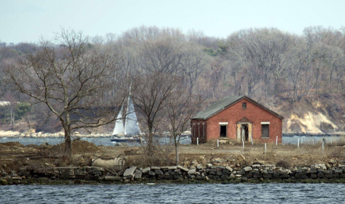 La ciudad ofrece sepulturas gratis en Hart Island