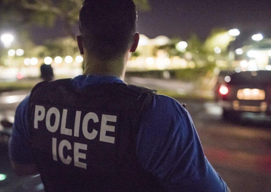 """ICE detiene a varios portadores de """"green card"""" en su última redada"""