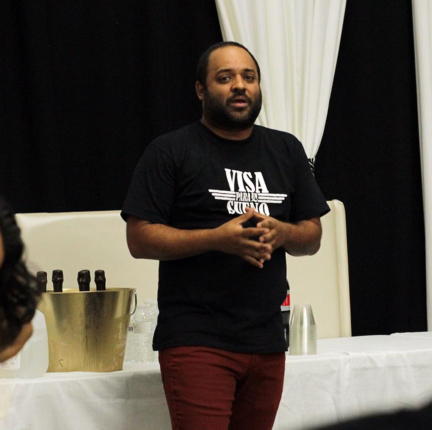 Manuel Mendoza director y co-autor de 'Visa Por Un Sueño'