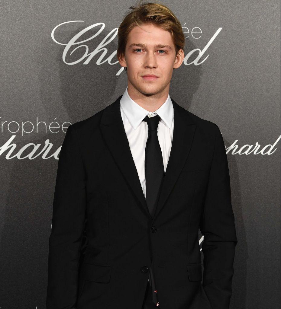El novio de Taylor Swift brilla solito en su paso por Cannes