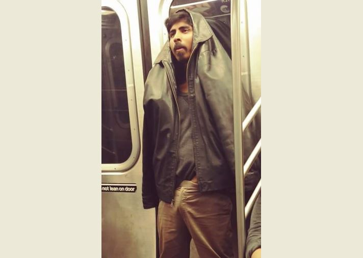 Foto muestra a pervertido en 'plena acción' en el Subway