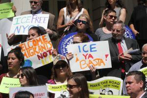 Cortes de NY confirman que no pueden cerrar entrada a 'La Migra'