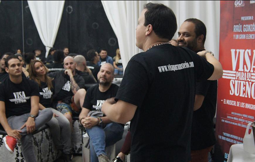Raúl González y Manuel Mendoza hablándole al equipo