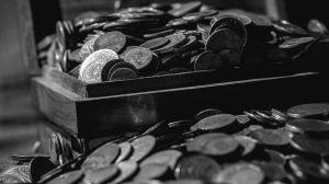 ¿Pagar o no pagar? Qué dicen las religiones más importantes sobre las deudas