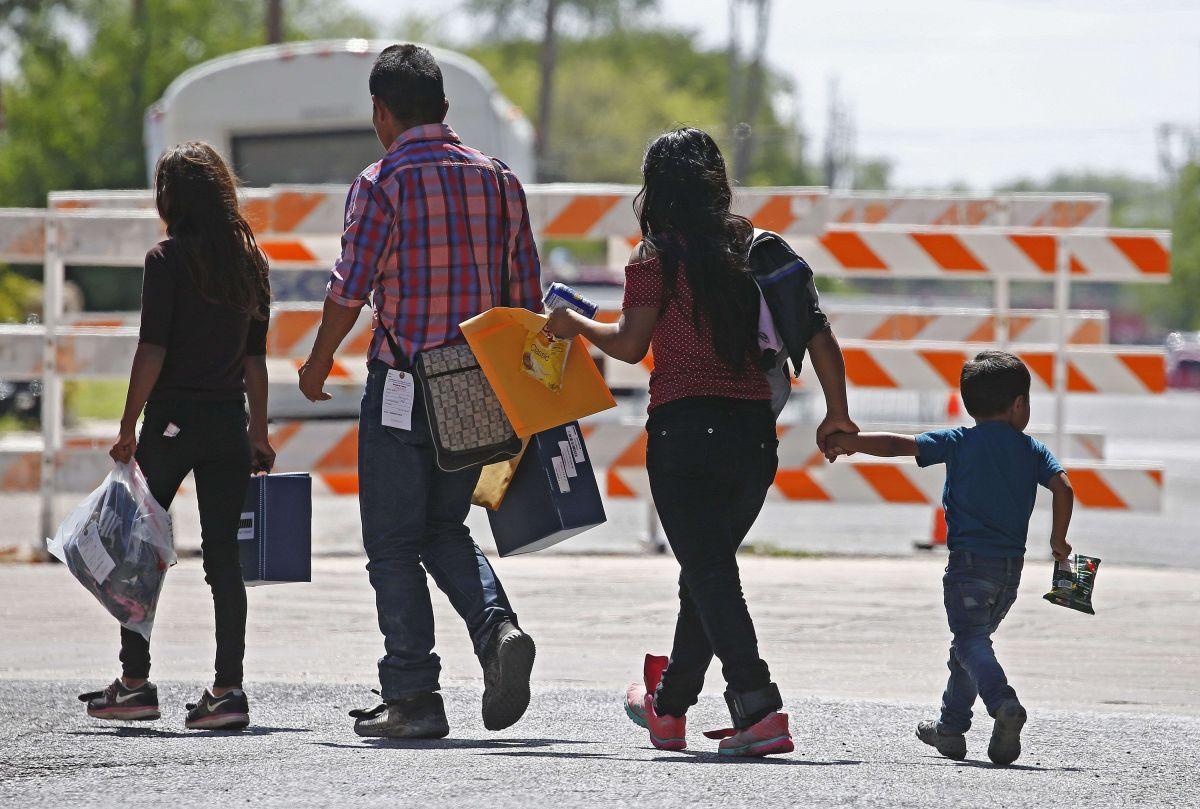 ¿Una solución a la crisis de la frontera? Tratar a los migrantes detenidos como refugiados