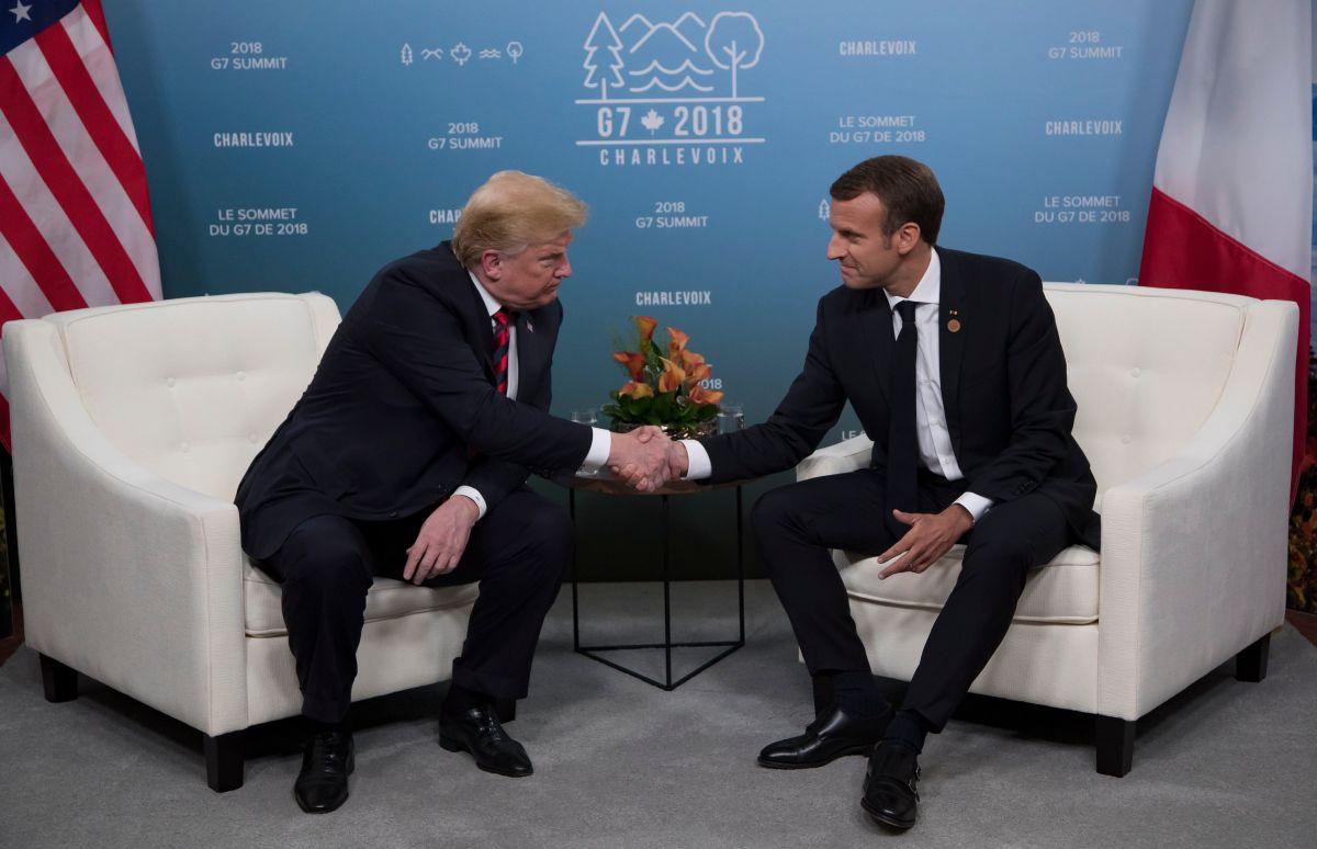 La marca en la mano que Emmanuel Macron dejó a Donald Trump