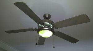 ¿El ventilador de techo no refresca? Chequea hacia dónde gira