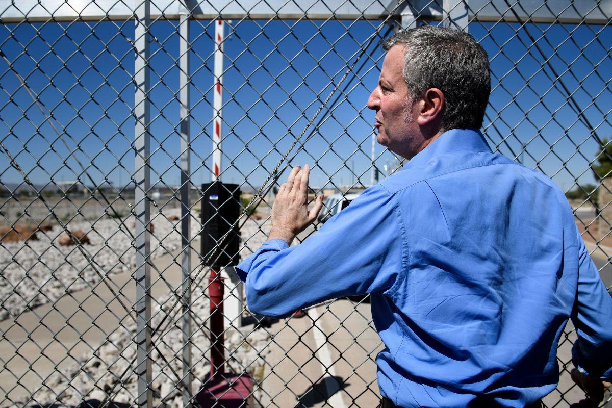 Prohíben a De Blasio entrar a centro de detención de niños en Texas