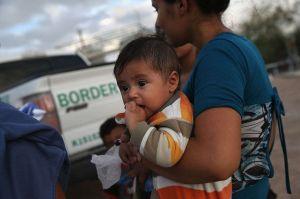 Demócratas del Senado promueven iniciativa para frenar separación de familias