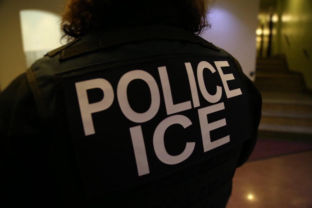 """ICE detiene a portador de """"green card"""" que lleva 30 años viviendo en EEUU"""