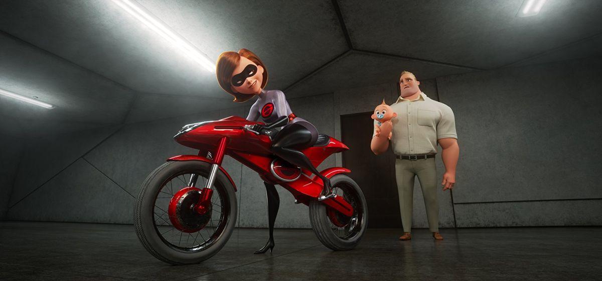 Incredibles 2: superhéroes fuera y dentro de casa