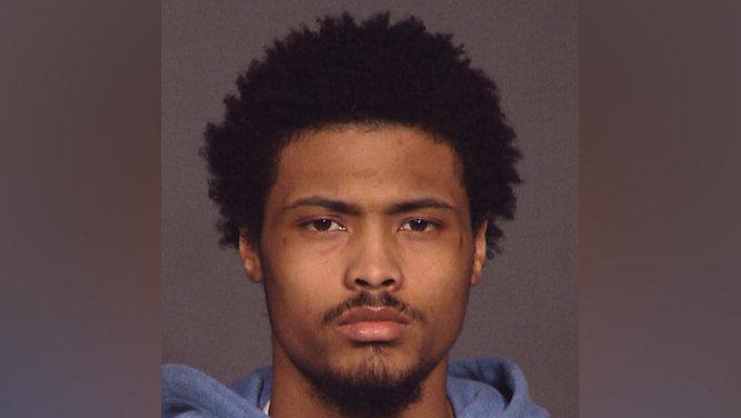 Buscan a sospechoso de golpear con martillo y quemar a su novia en UWS