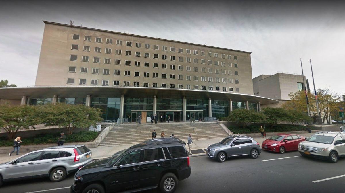 Pánico por granada falsa en Corte de Queens