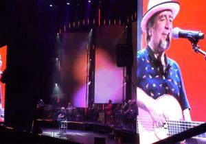Joaquín Sabina se queda mudo en pleno concierto y abandona el escenario