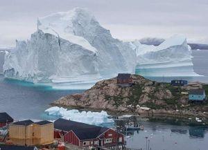 El enorme iceberg que amenaza un pueblo en el Polo Norte