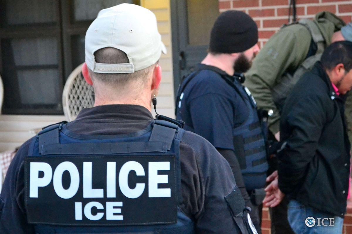 ¿Cuáles son los tipos de trabajo en los que ICE enfoca sus redadas?