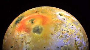 Foto: NASA descubre volcán activo en luna de Júpiter