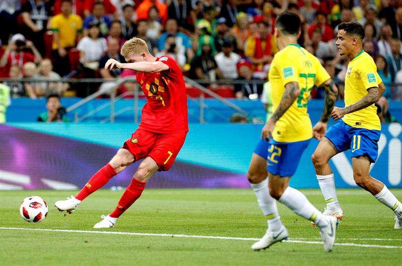 El zapatazo que acabó con Brasil en el primer tiempo. EFE