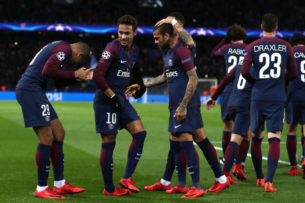 Madre de Mbappé revela que Neymar y Dani Alves hacen 'bullying' a su hijo