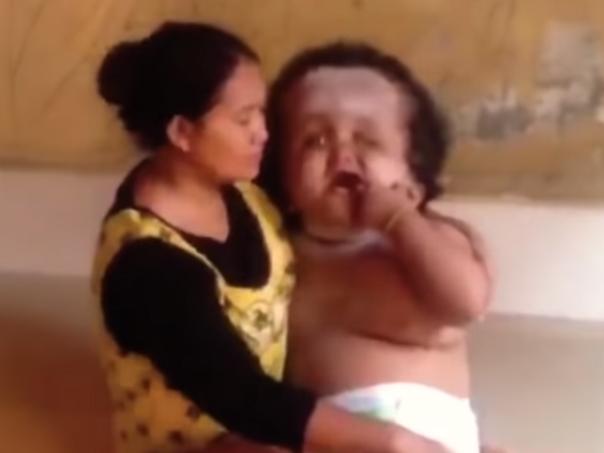 Divulgan video del bebé más grande del mundo, pero algunos creen que es una farsa