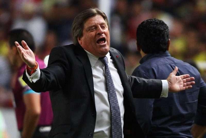 Miguel Herrera regañó a un reportero de Univision TDN por exceso de confianza