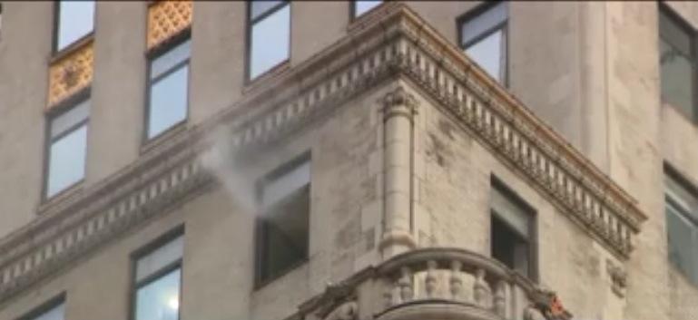 Cinco heridos por incendio frente a Torre Trump en 5ta Avenida