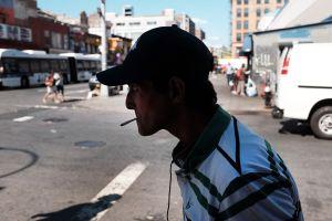 Fiscalía de Manhattan ya no procesará casos por fumar marihuana