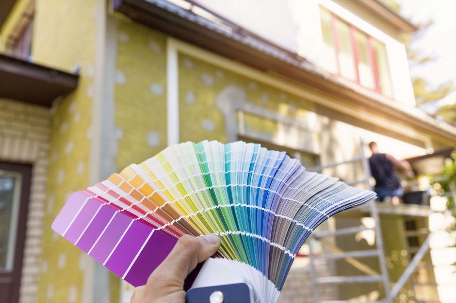 Cómo elegir la pintura correcta para el exterior de la casa