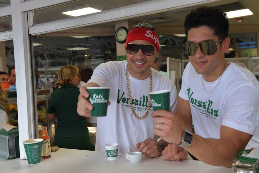 Jacob Forever y Chyno Miranda sorprendieron al público a lo 'cubano'