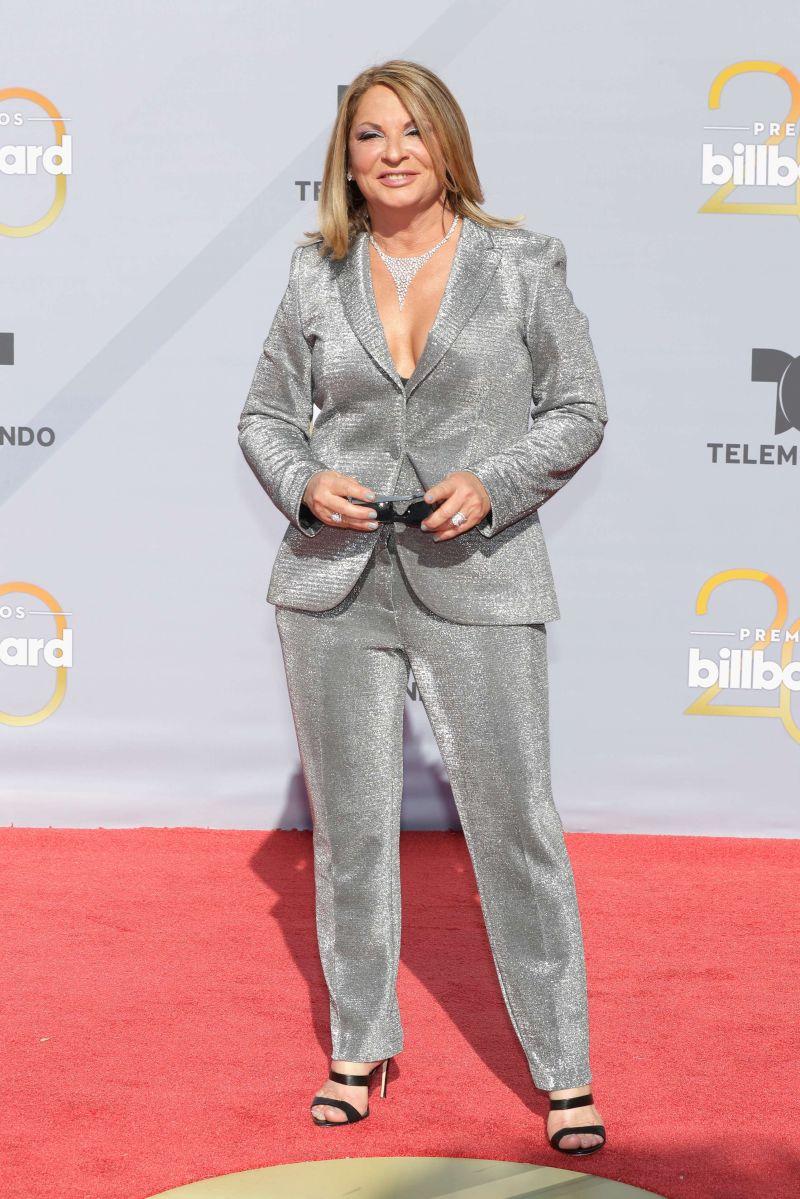 La Dra. Ana María Polo brilla en la alfombra roja de los Premios Billboard 2018.