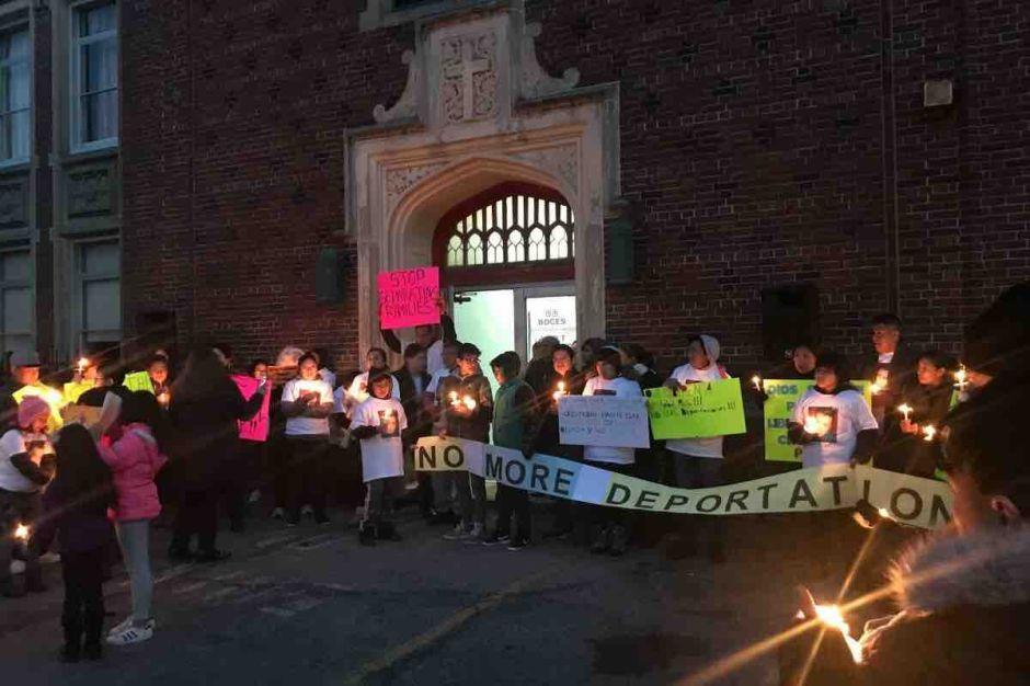 Comunidad recauda fondos para apoyar a familia de ecuatoriano deportado