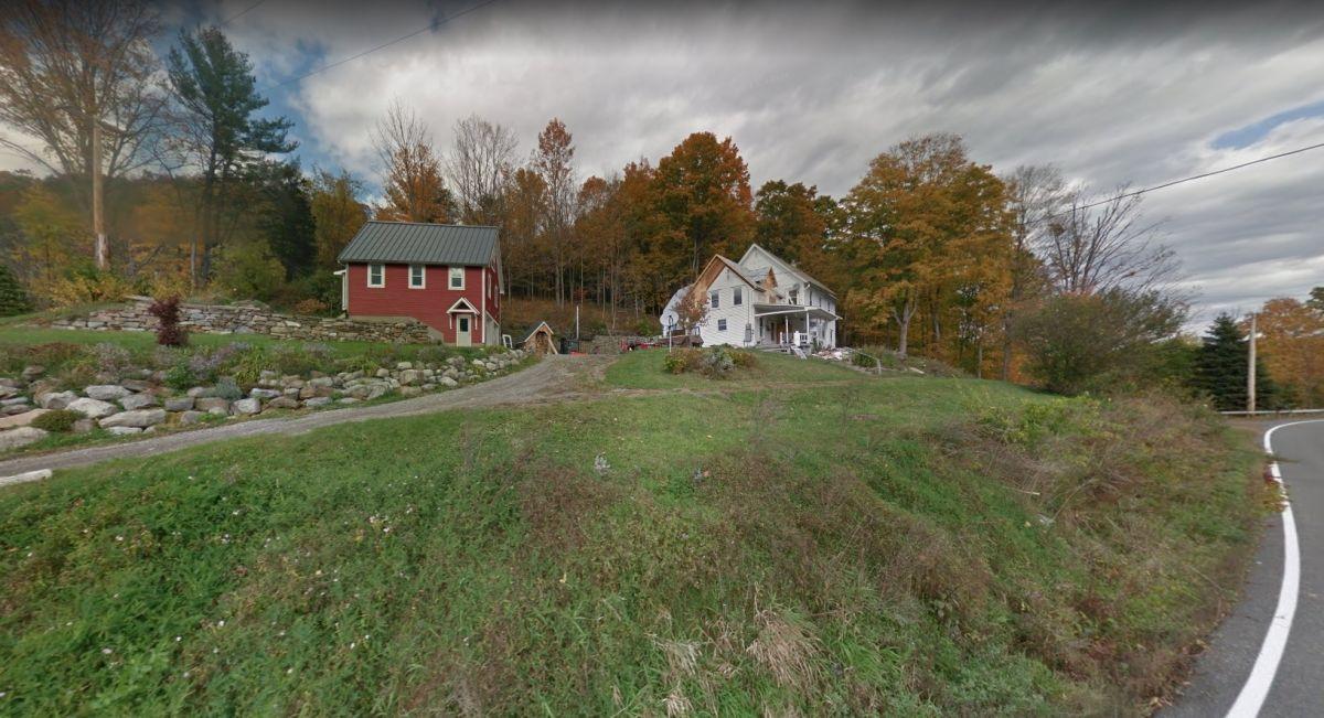 Adolescente mata a su amigo y quema la casa en el norte de NY