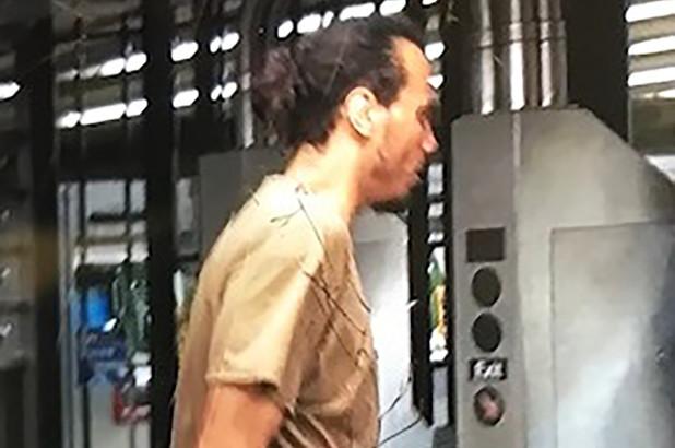 Buscan a hispano por robar y apuñalar con un bolígrafo a pasajero en el Metro