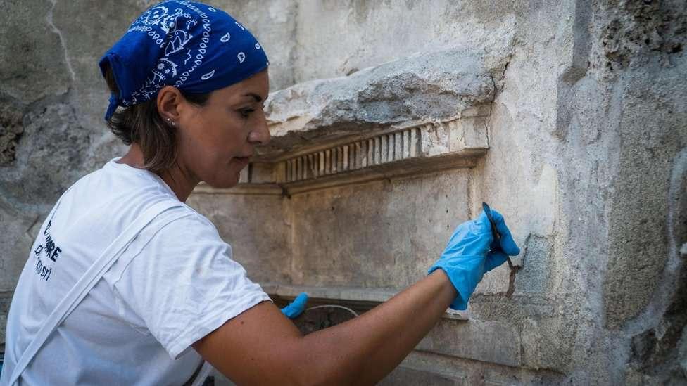 """Pompeya: las fotos del fascinante hallazgo de la lujosa """"Casa de Júpiter"""""""