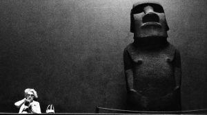 """La increíble travesía del moai que Reino Unido """"robó"""" de la Isla de Pascua"""