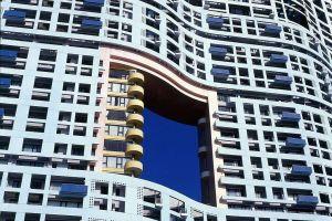 La puerta del dragón: ¿por qué algunos edificios en Hong Kong tienen un agujero?
