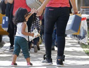 """AP corrige a Michelle Obama: """"las jaulas para inmigrantes las activó la presidencia de su esposo"""""""