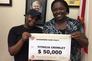 Mujer de Florida fue a recoger un premio de lotería de $2 mil y recibió $50 mil