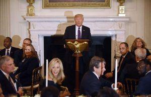 Trump predice violencia si los demócratas retoman el Congreso en noviembre