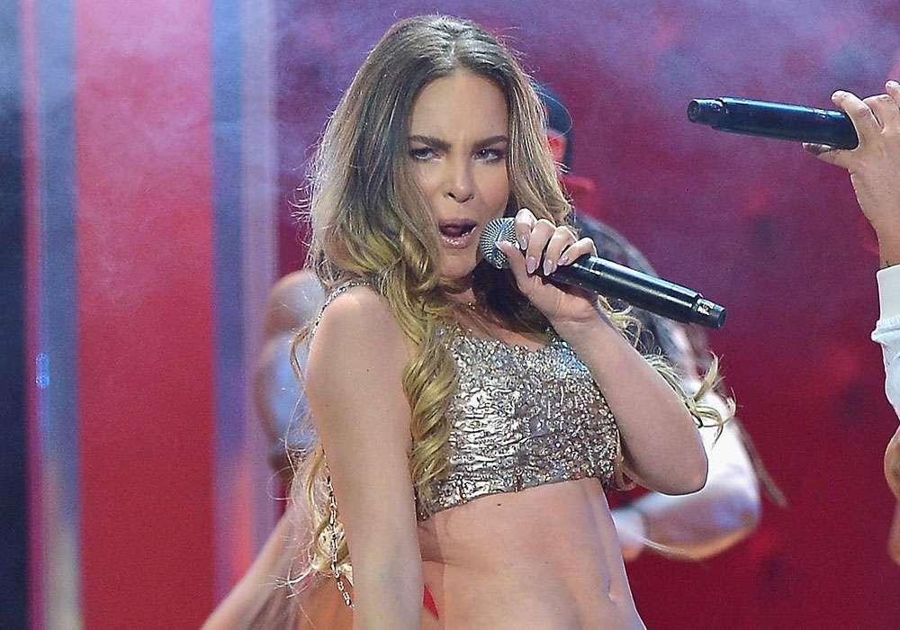Afirman que el ex novio de Belinda hackeó cuentas de la cantante para publicar fotos íntimas