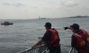 Miles de evacuados en cierre de la Estatua de la Libertad por incendio de alto riesgo