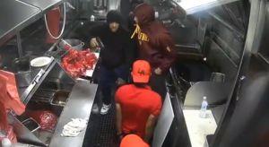 Ladrones armados someten y roban a empleados de camión de tacos en Los Ángeles